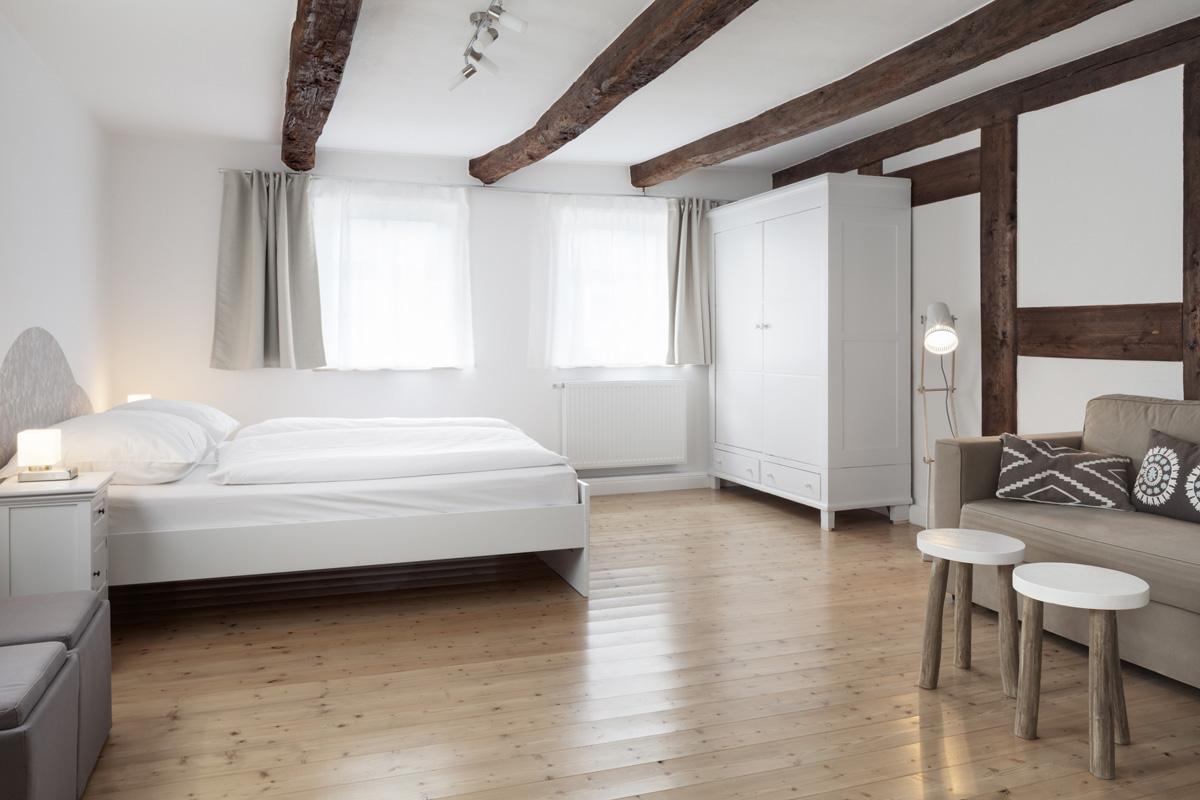 bleibe 200 jahre altes kernsaniertes fachwerkhaus mit gro em garten und sauna. Black Bedroom Furniture Sets. Home Design Ideas