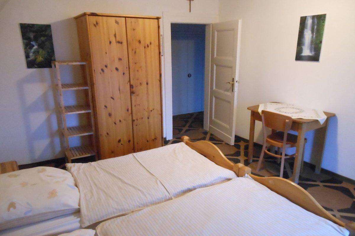 haus nikolaus in nettersheim bei gruppenunterk nfte. Black Bedroom Furniture Sets. Home Design Ideas