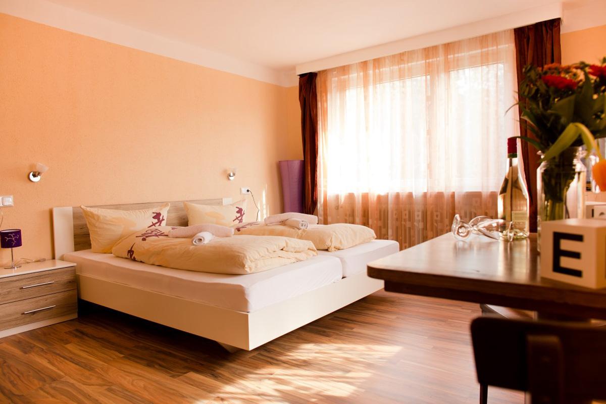 Etagenbett Für Jugendherberge : Person im etagenbett in einem hostel schlafsaal byron bay nsw