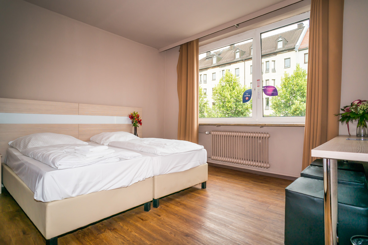 smart stay hostel munich city in m nchen. Black Bedroom Furniture Sets. Home Design Ideas