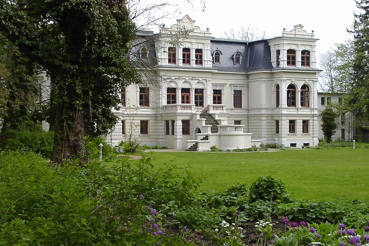 villa b ckelmann in magdeburg bei gruppenunterk nfte. Black Bedroom Furniture Sets. Home Design Ideas