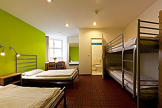 Amstel-House-Hostel-Berlin__t19f.jpg