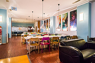Amstel-House-Hostel-Berlin__t19l.jpg