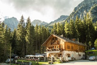 Enzianhuette-in-Antholz-Suedtirol__t12665.jpg