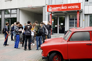Happy-Bed-Hostel__t12303c.jpg