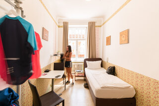Three-Little-Pigs-Hostel-Berlin__t10615f.jpg
