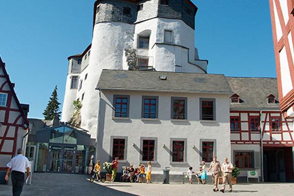 Grafenschloss Jugendherberge Diez In Diez